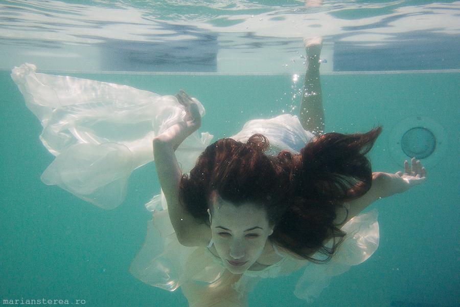 underwater_session_bride_pro_tv