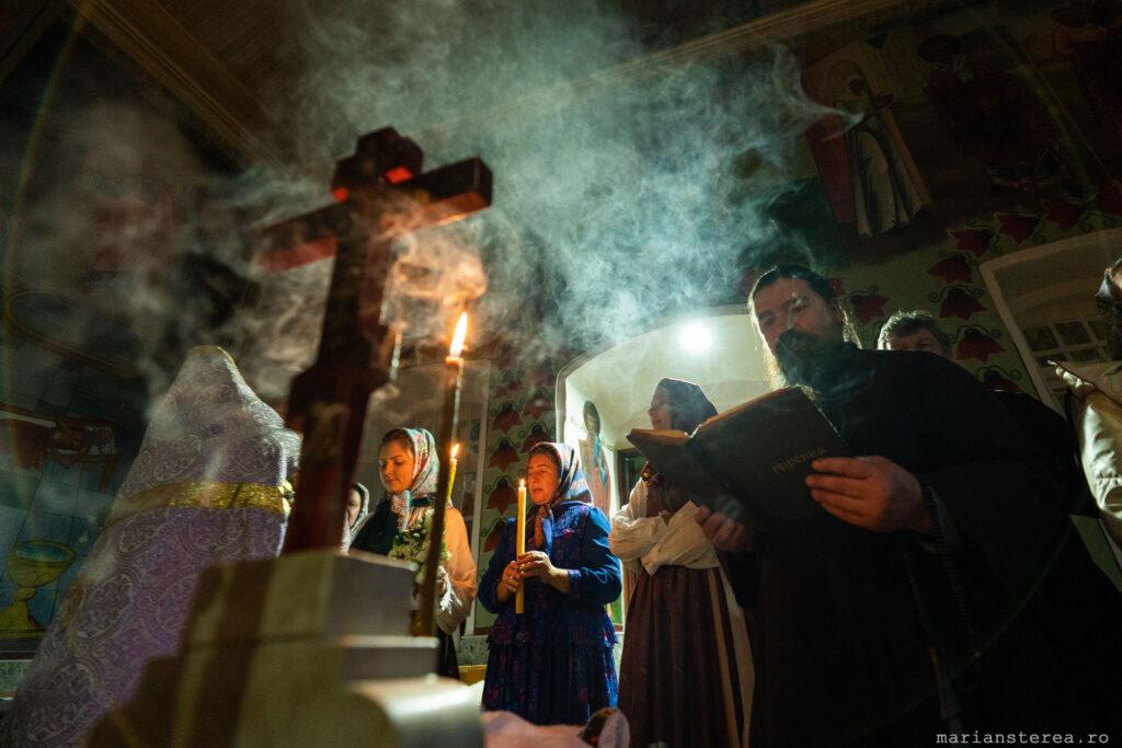 biserica lipoveneasca fara electricitate la fumul lumanarilor