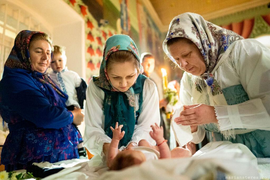 imbracarea copilului la botez
