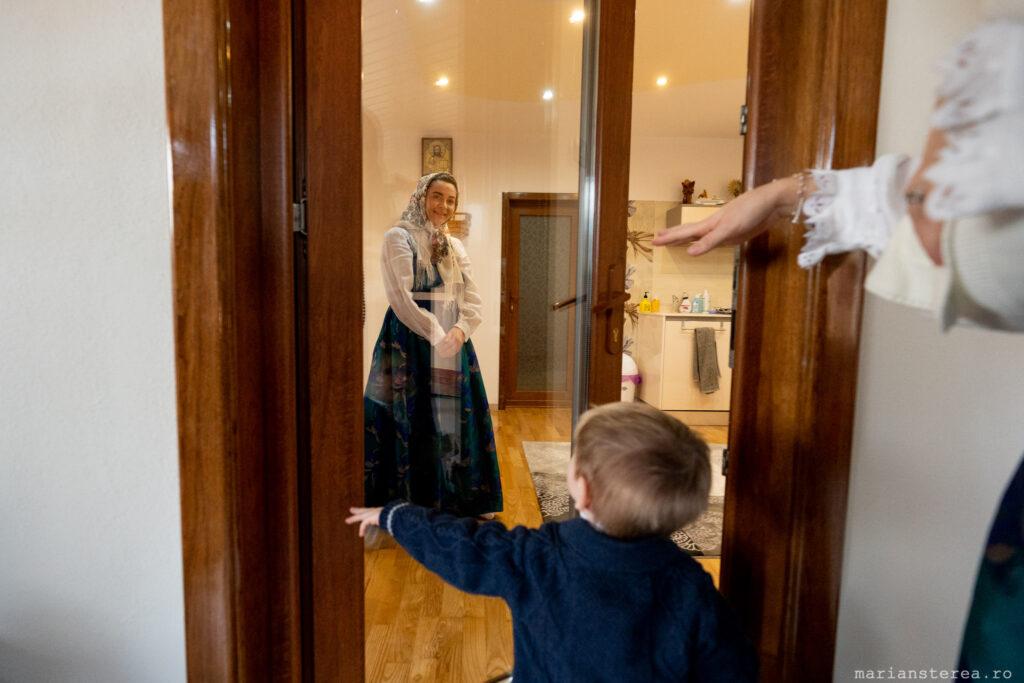 adusul copilului acasa dupa botez
